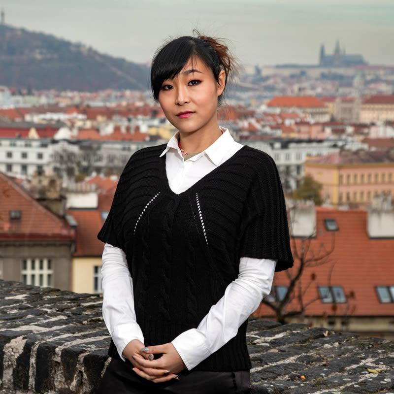Monika Zhai Wei - právní asistent