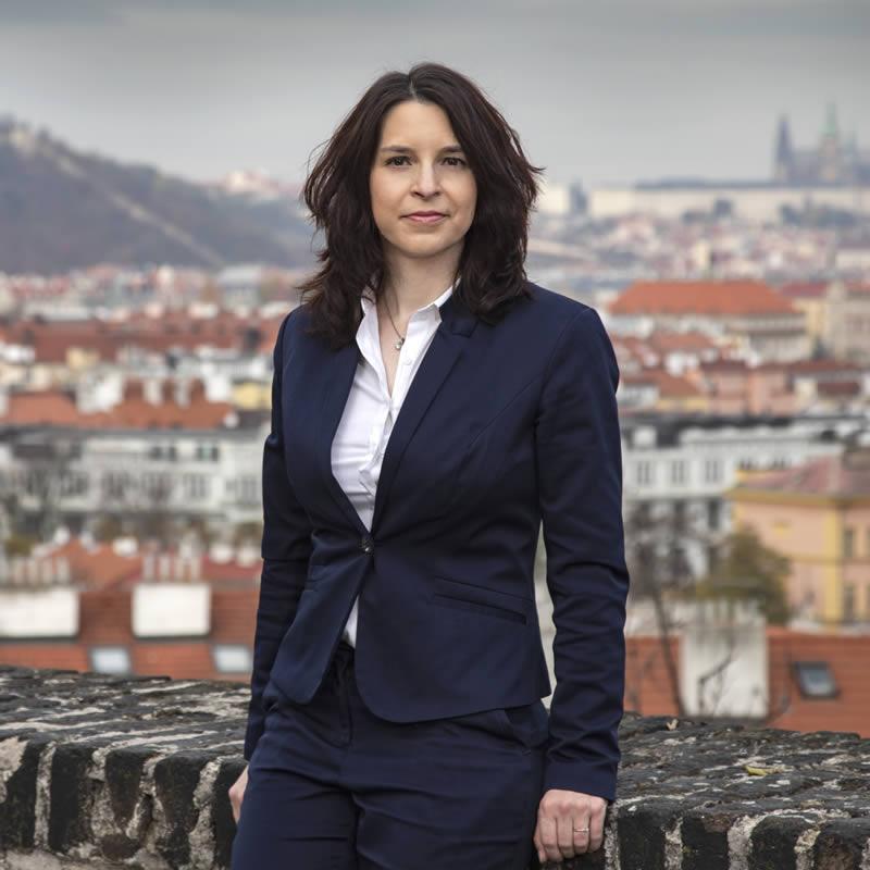 Zuzana Černecká - advokát